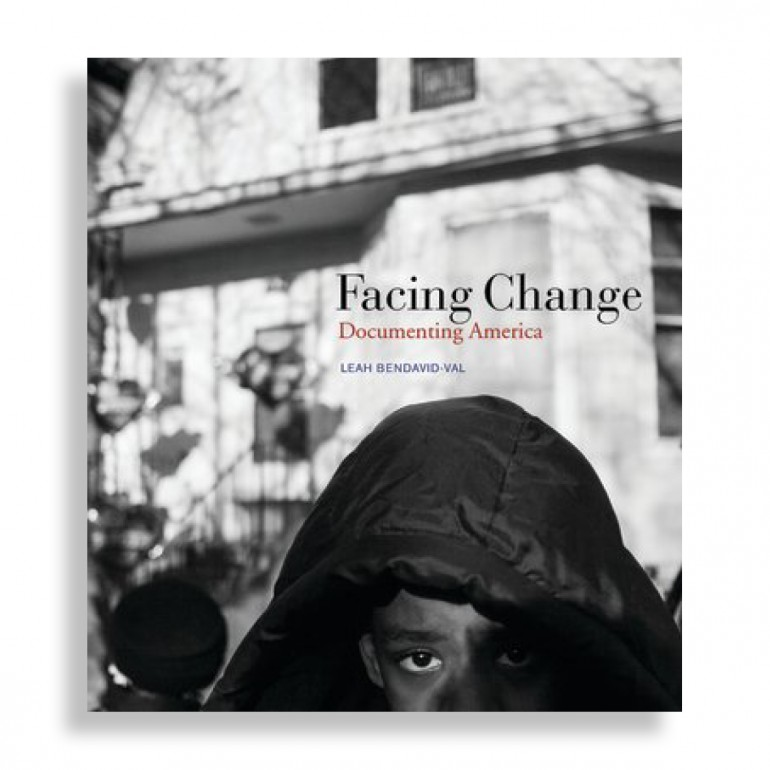 Facing Change. Documenting America